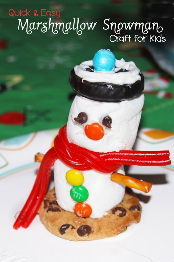 Quick and Easy Marshmallow Snowman Kid's Craft--Perfect for family gatherings and Christmas parties. {OneCreativeMommy.com}