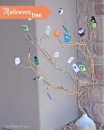 Need quick Halloween decor? Make this simple Halloween Tree! {OneCreativeMommy.com}