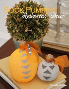 Turn boring socks into cool pumpkin Halloween decorations!